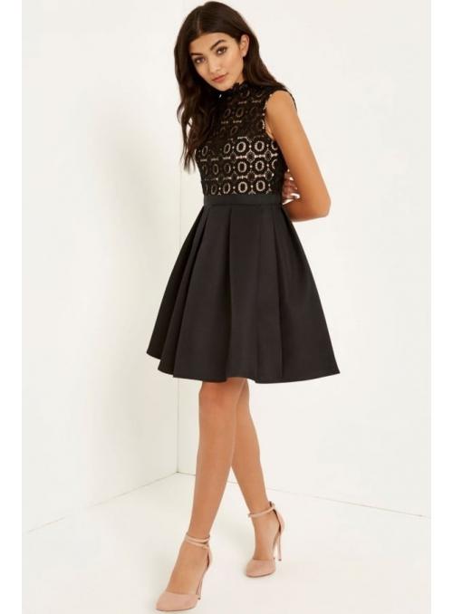 Černé háčkované šaty