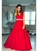 Maxi red dress with a silver waistline