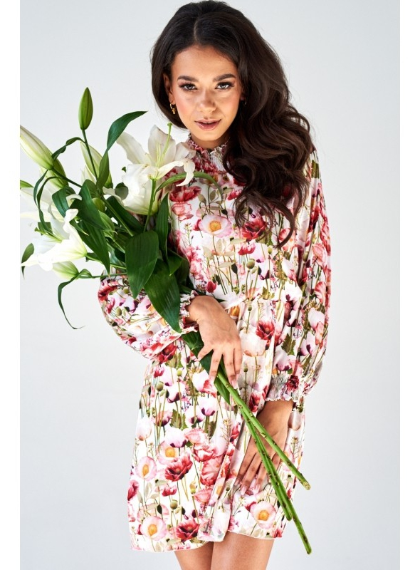Dress with collar and flowers