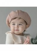 Růžový dětský pletený baret